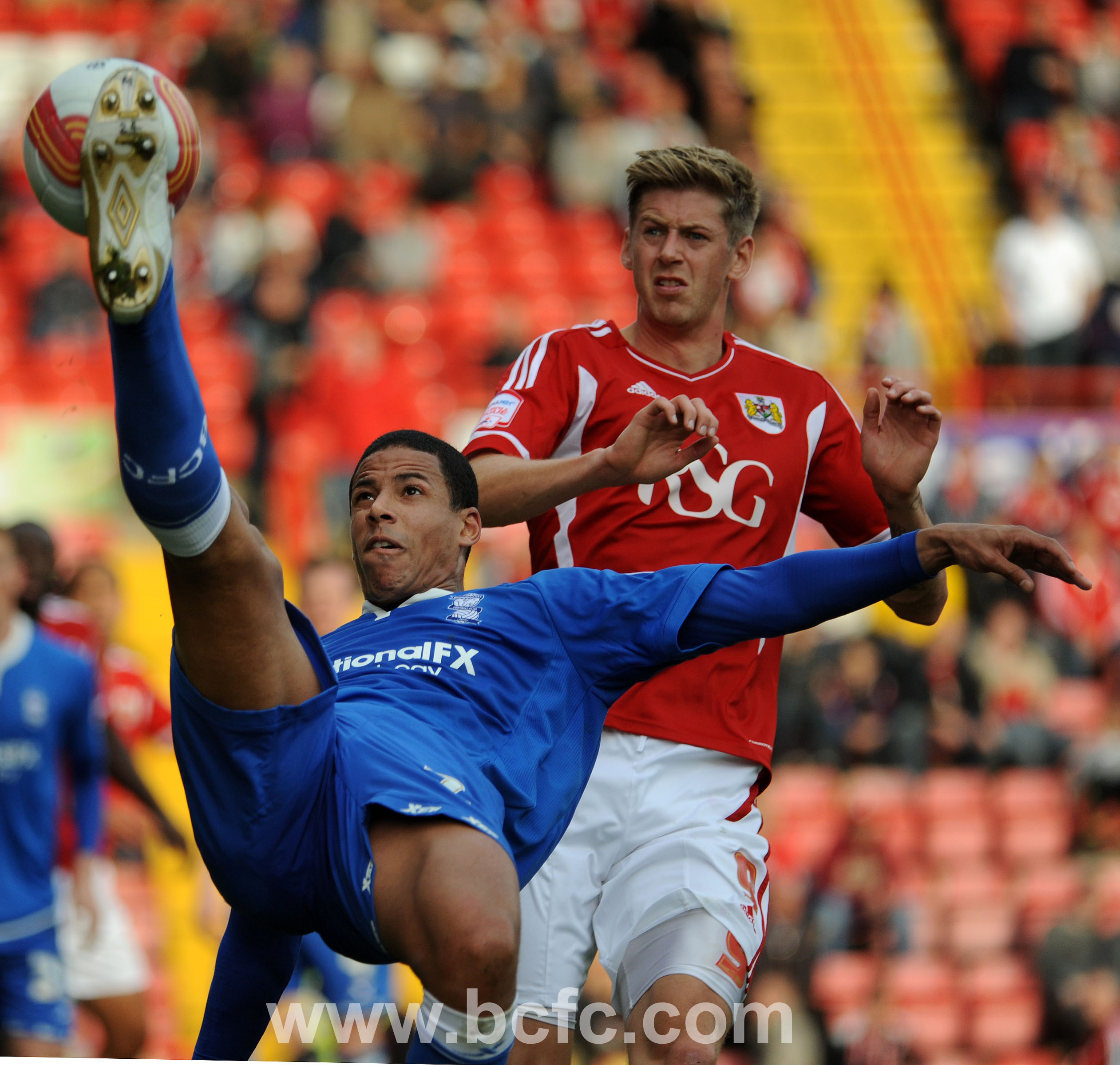 Curtis Davies in defensive action!